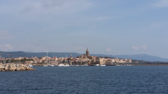 Andrea Jensen sailing into the Port of Alghero