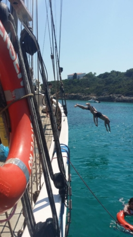 Tandem diving