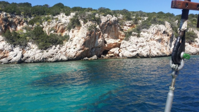 Places to explore in and out of the water in Porto Conte bay